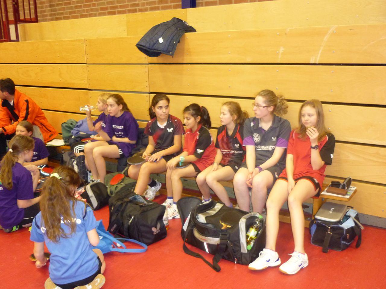 Aktuelles aus dem Schulsport: Tischtennis-Schulmannschaft Mädchen erreicht Landesfinale  NRW