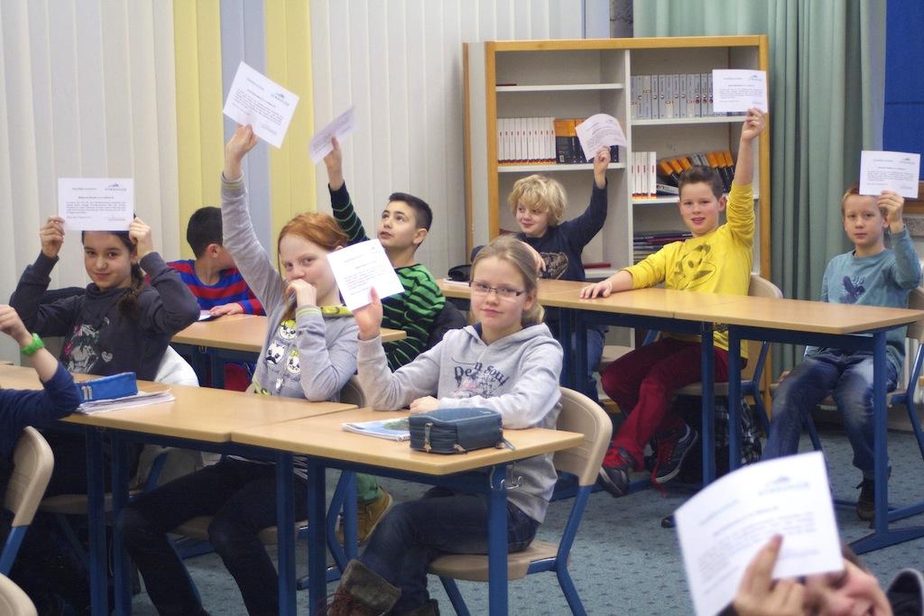 Medienkompetenz von Schülerinnen und Schülern: Sicher im Netz unterwegs