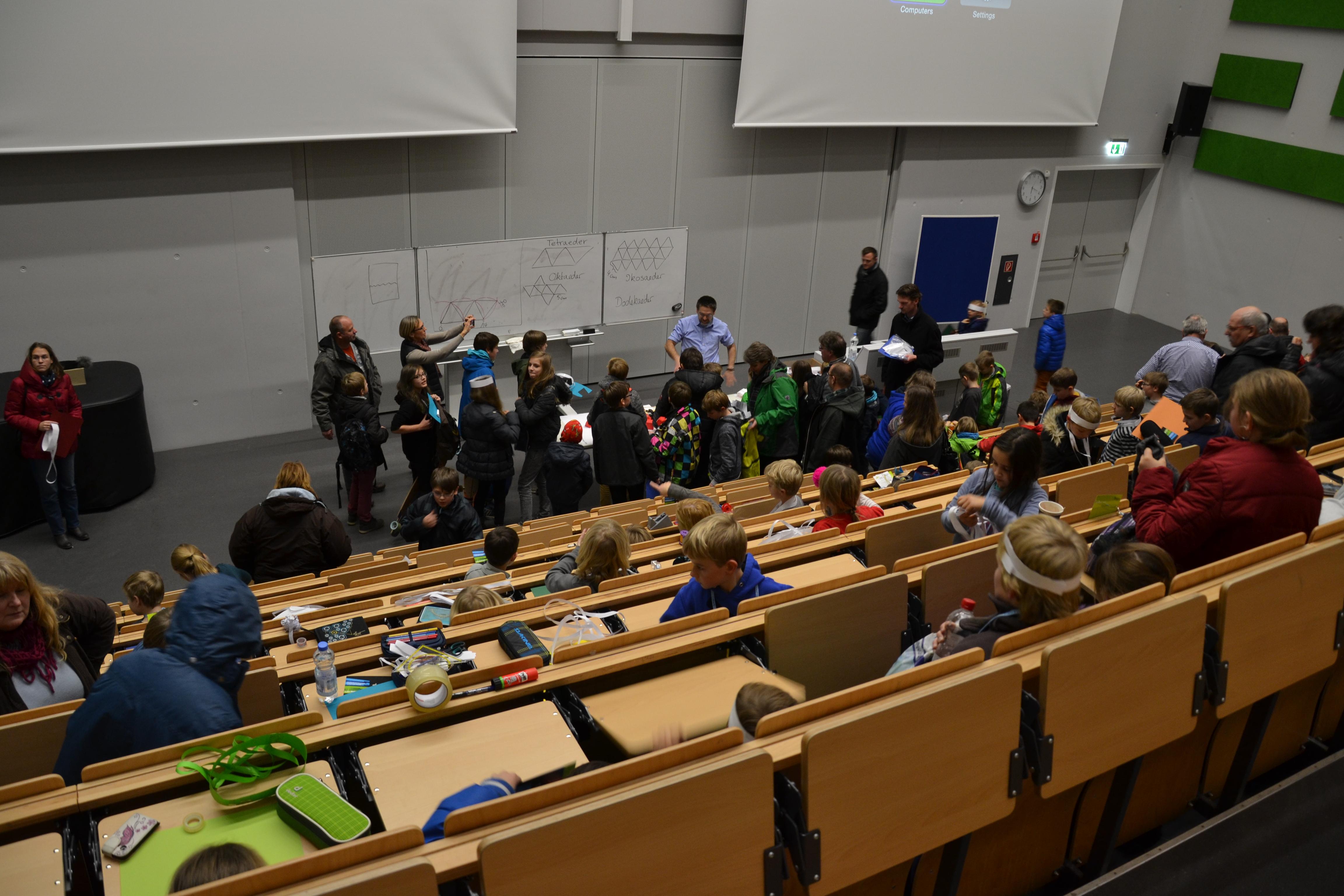 Mathe-AG besucht Kinder-Uni