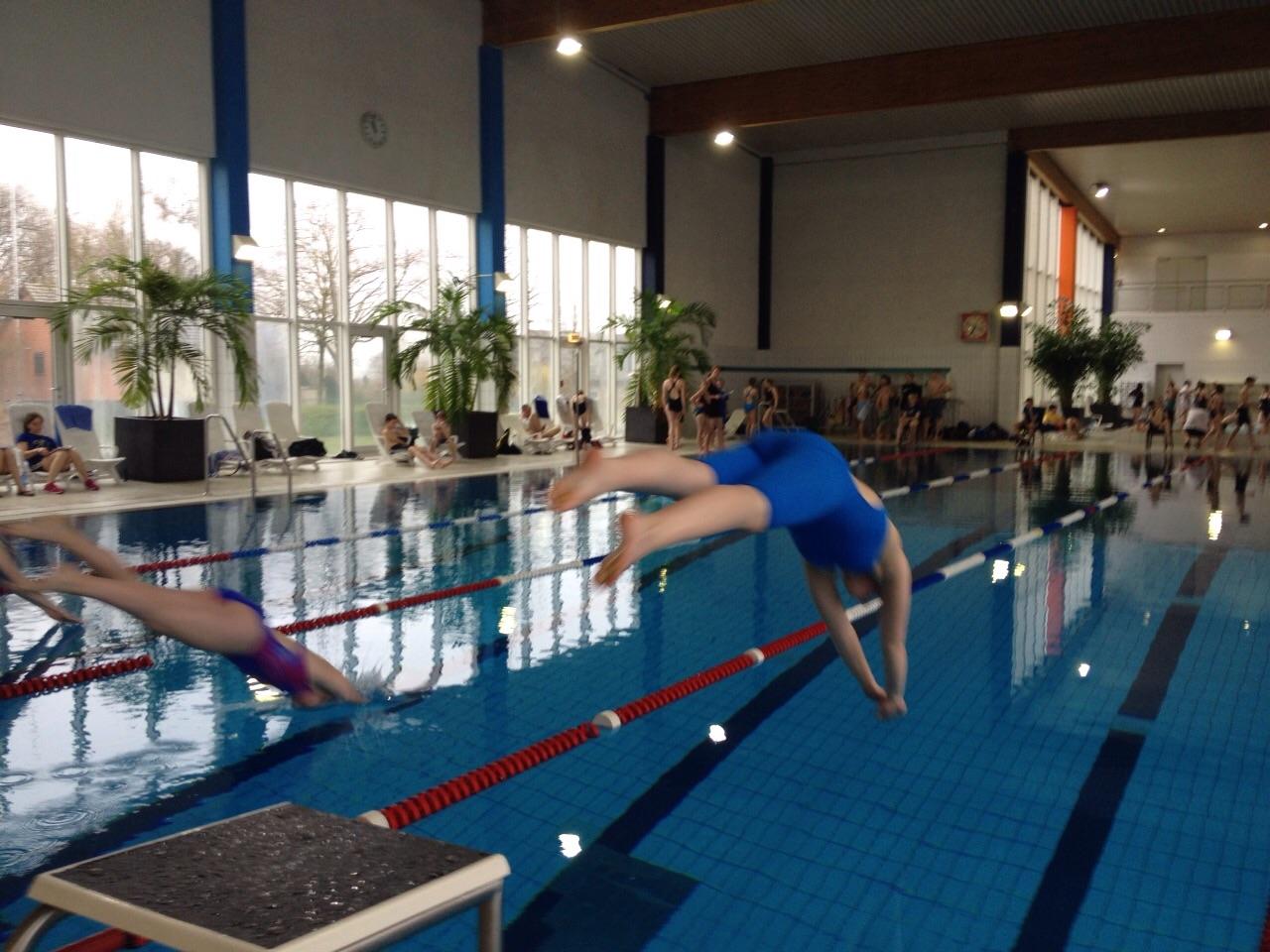 """""""Ab ins kühle Nass"""" – Schwimmwettkampf der Schulen in Goch"""