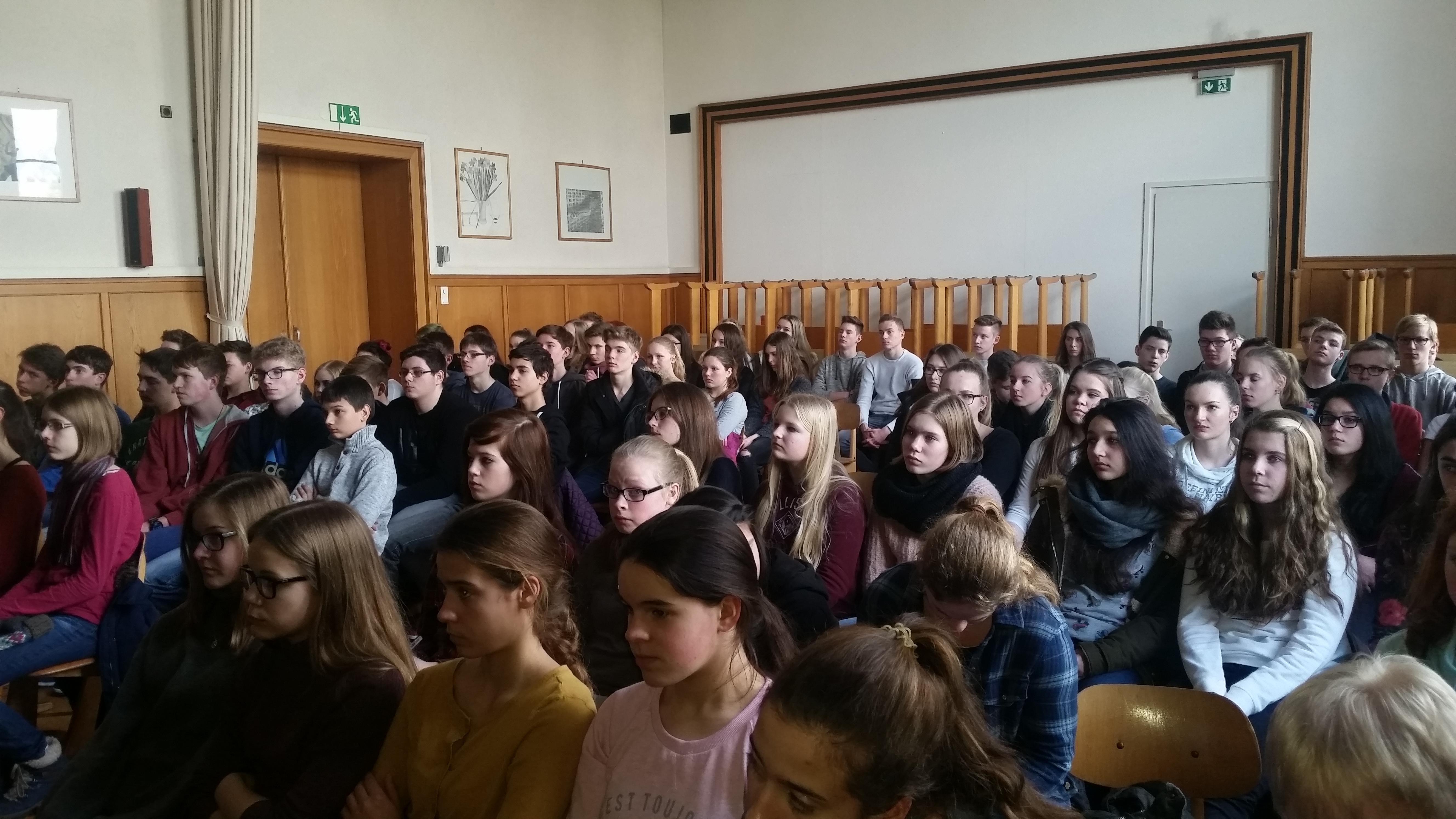 """""""Ihr seid nicht verantwortlich für die deutsche Vergangenheit!"""" – Vortrag von Eva Weyl"""