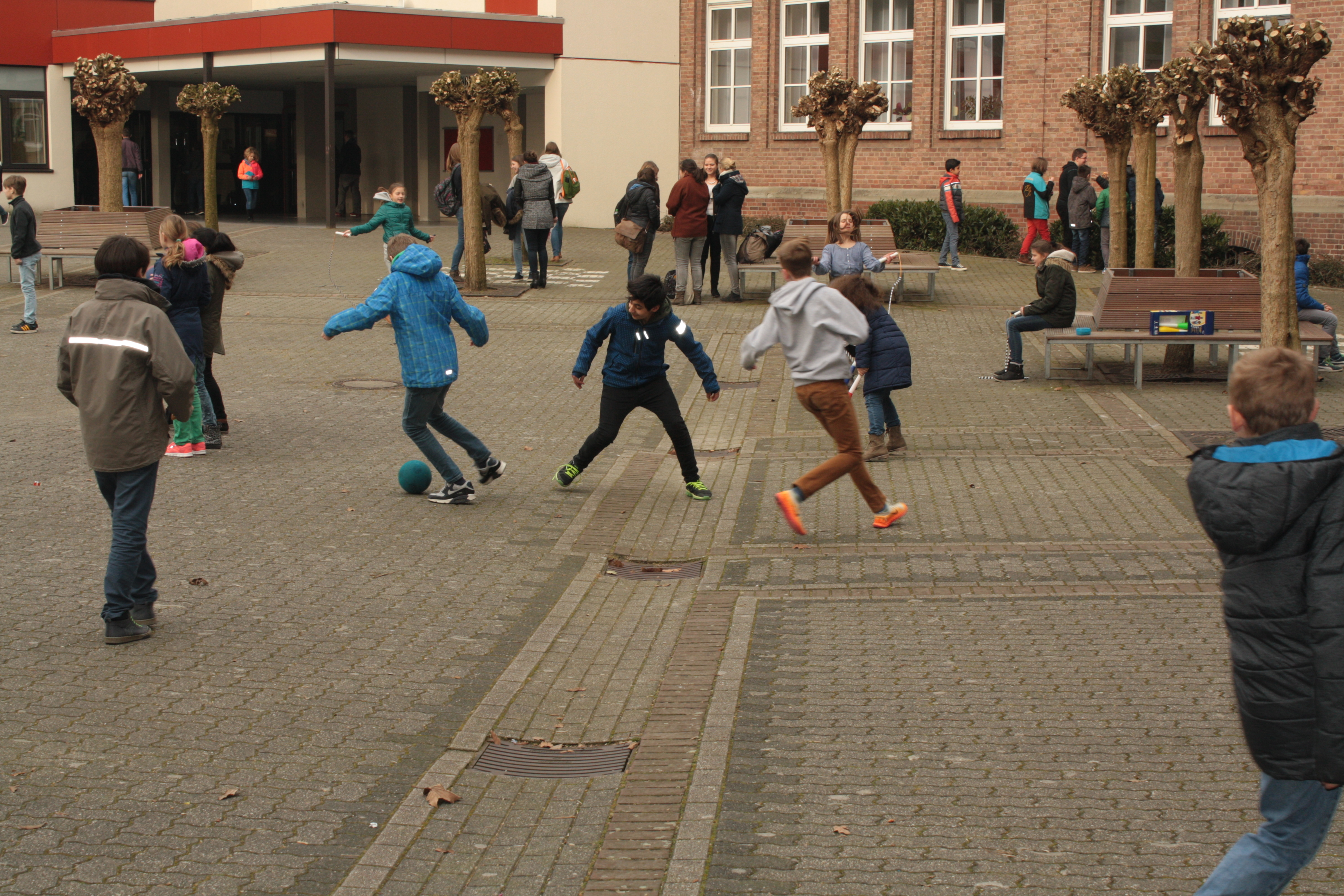 Bewegte Pause am Freiherr-vom-Stein Gymnasium