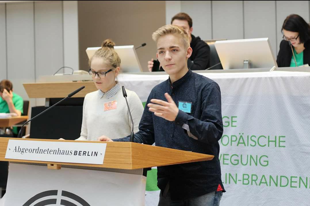 Steiner als Abgeordnete bei SIMEP in Berlin