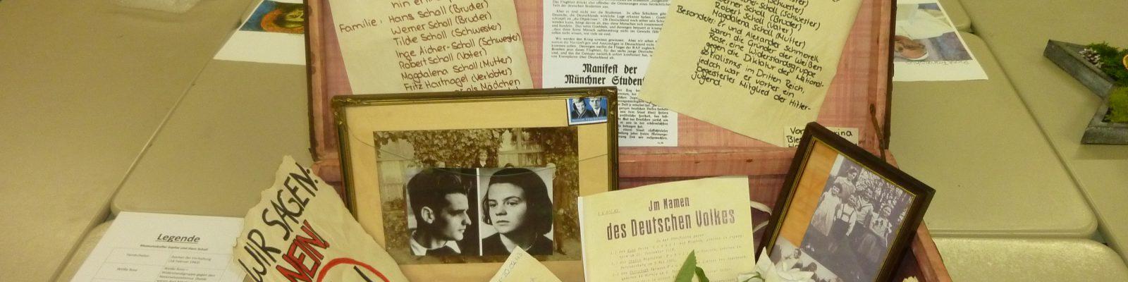 Museumskoffer im Religionsunterricht – Besuch von Frau Kaiser-Haas