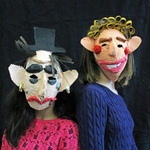 """Masken""""Gut& Böse"""" - ein Kunstprojekt des Jg. 5"""