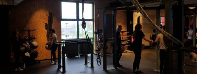 """""""Auf ins Fitnessstudio"""" – Besuch des Sportkurses Q1 im High5"""